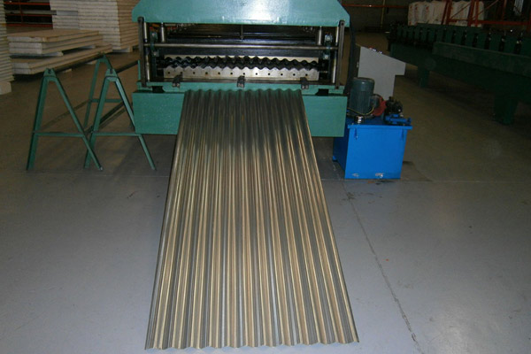corrugated-sheet-roll-forming-machine-13.jpg